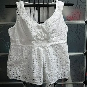 Eyelet lace sleeveless top with side zipper